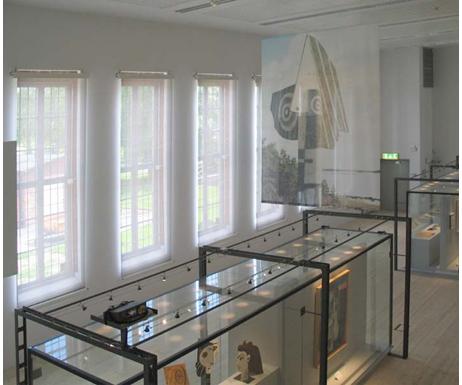Museum of modern art controllo solare - Specchi riflettenti luce solare ...
